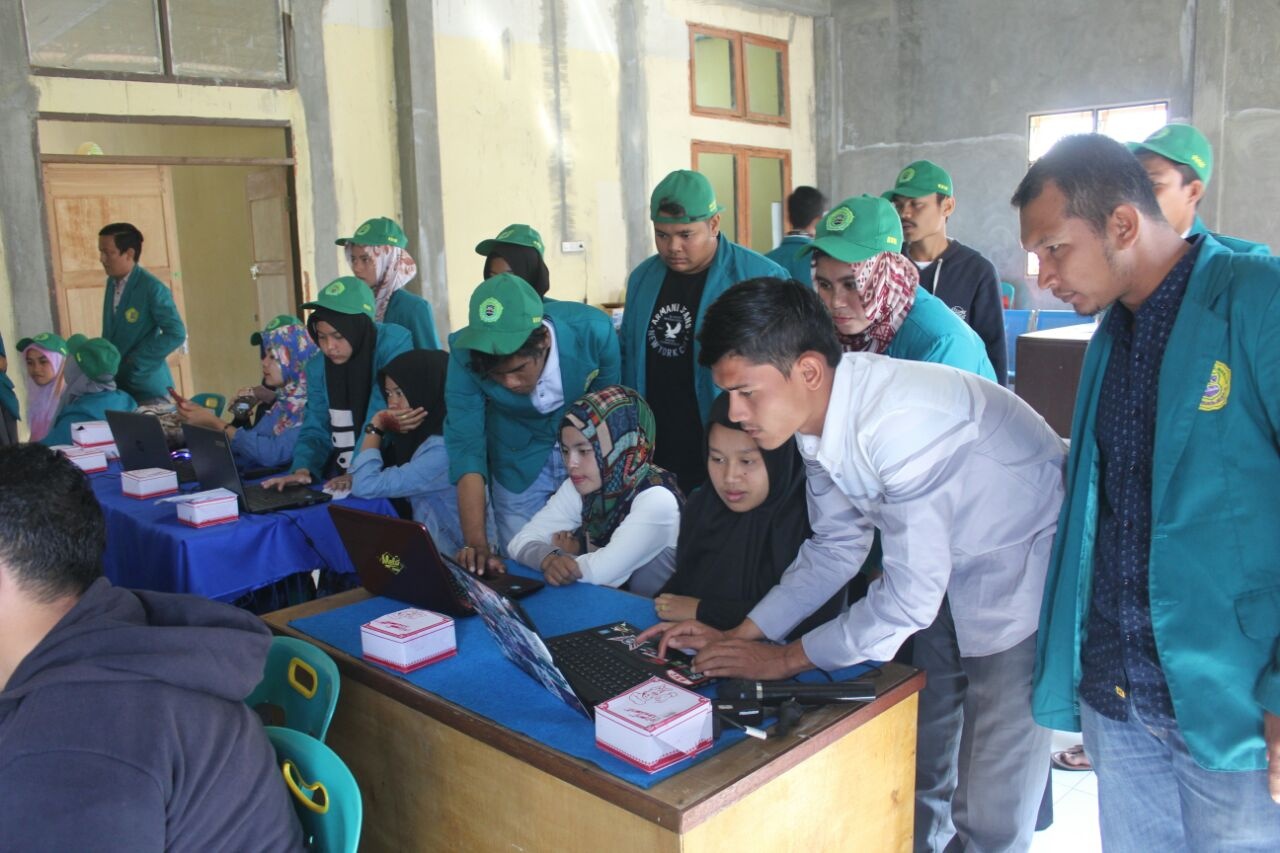 Mahasiswa Umuslim Latih Aparatur Desa