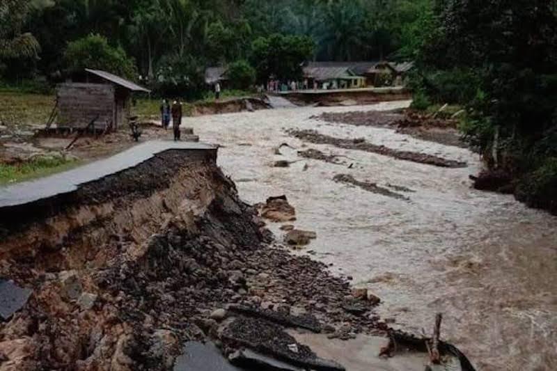 Banjir Bandang yang terjadi beberapa waktu lalu di Sumut (foto - Ist)